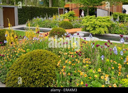 the homebase garden urban retreat by adam frost gold. Black Bedroom Furniture Sets. Home Design Ideas
