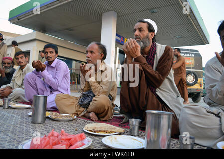 quetta muslim personals The prime minister of pakistan visits quetta, where shia muslims demanding better security are refusing to bury loved ones killed by bombers.