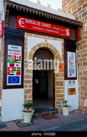 bureau de change exchange currency board stock photo royalty free image 60827972 alamy. Black Bedroom Furniture Sets. Home Design Ideas