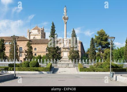 Granada spain jardines del triunfo and hospital real stock for Jardines triunfo granada