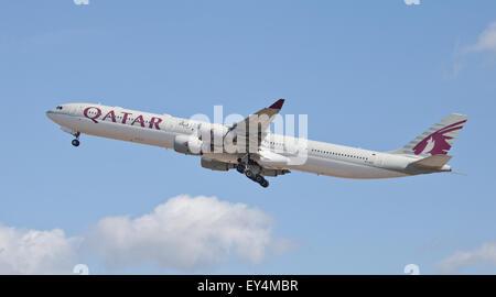 Qatar Airways Airbus a340 A7-AGC taking off from London-Heathrow Airport LHR - Stock Photo