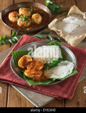 Traditional sri lankan breakfast egg hopper dal coconut for Authentic sri lankan cuisine