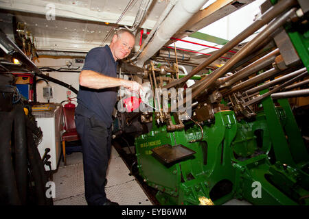 steam engine room on steam ship ss shieldhall stock photo. Black Bedroom Furniture Sets. Home Design Ideas
