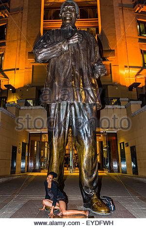 20 Foot Tall 6 Meters Bronze Statue Of Nelson Mandela
