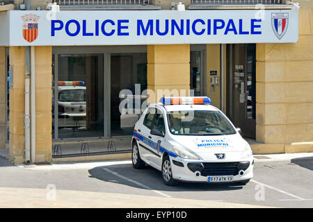 A french police car parked in a street in the european - Piscine municipale aix en provence ...
