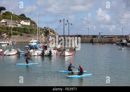 Newquay Harbour, Newquay, Cornwall, UK. 6th Aug, 2015. UK Weather: High tide and a sunny morning brings a range - Stock Photo