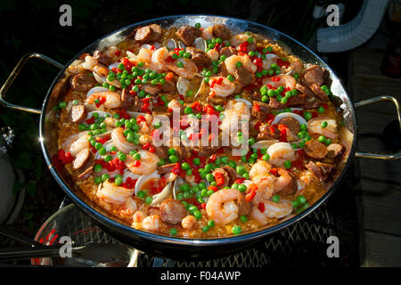 Pan of spanish style paella in Boise, Idaho, USA. - Stock Photo