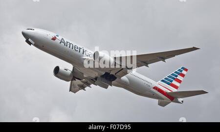 American Airlines Boeing 777 N773AN taking off from London-Heathrow Airport LHR - Stock Photo