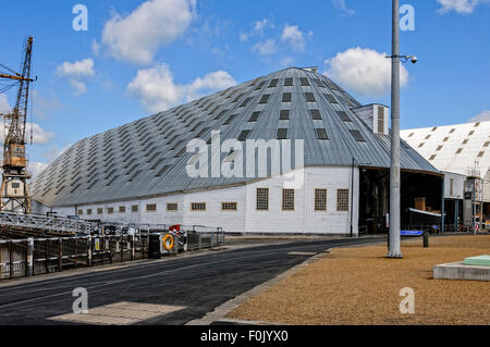 The massive roof of the slip cover over No 3 dry dock introduced to stop the deterioration of wooden ships by rain - Stock Photo