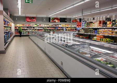 Frozen food in freezer section of an aldi discount for Aldi international cuisine