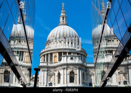 England, London, St. Paul's Cathedral - Stock Photo