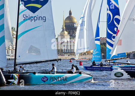 St Petersburg, Russia. 21st August, 2015. GAC PINDAR (UNITED KINGDOM) with skipper Seve Jarvin and the team from - Stock Photo