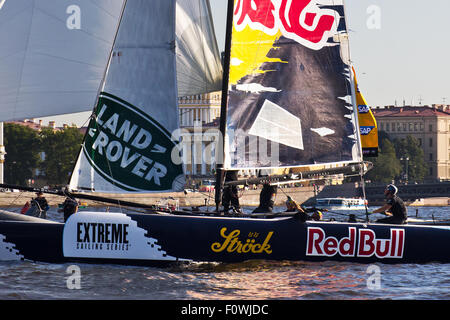 St Petersburg, Russia. 21st August, 2015. RED BULL Sailing Team (Austria) with Austrian double Olympic gold medal - Stock Photo