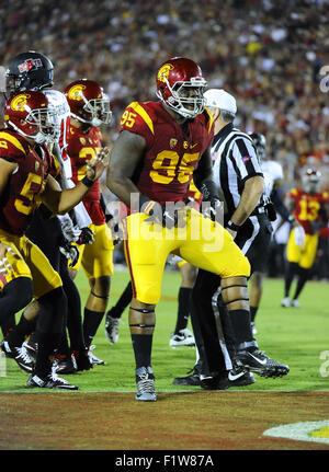 Los Angeles, CA, USA. 05th Sep, 2015. Kenny Bigelow of the USC Trojans in action against the Arkansas State Red - Stock Photo