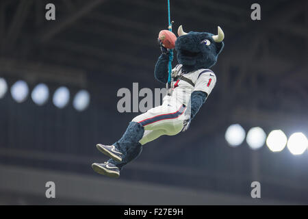 Houston, Texas, USA. 13th Sep, 2015. Houston Texans mascot Toro repels from the top of the stadium prior to an NFL - Stock Photo