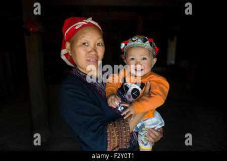 Mother and baby from the ethnic Hmong tribe in Vietnam - Stock Photo