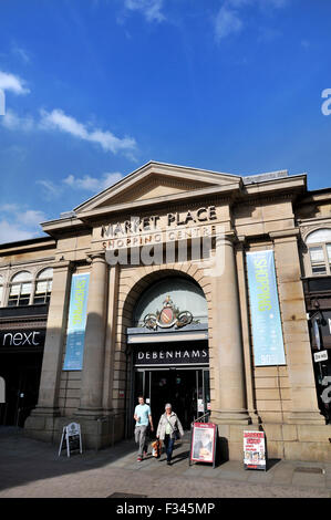 The Market Place shopping centre, Corporation Street, Bolton. Picture by Paul Heyes, Tuesday September 29, 2015. - Stock Photo
