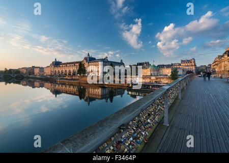 the Musée d'Orsay and River Seine from Pont Solférino at dawn, Paris, France - Stock Photo