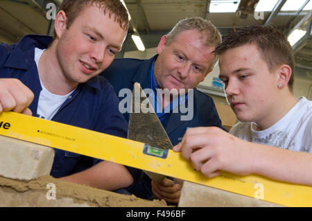 Luxury Discovery Boatbuilding Hosts Seventh And Eighthgraders From South Bristol  At Woolwich Central School, Said He Was Grateful That Students Have An Opportunity To Participate In Such A Rare Program He Added That Boatbuilding Or