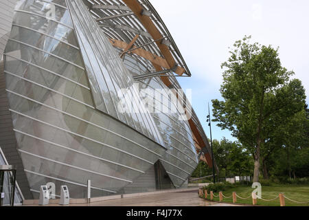 fondation louis vuitton paris france architect gehry partners stock photo royalty free. Black Bedroom Furniture Sets. Home Design Ideas