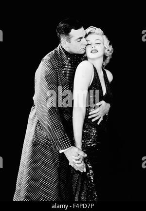 Laurence Olivier, Marilyn Monroe / The Prince And The Showgirl 1957 directed by Laurence Olivier - Stock Photo