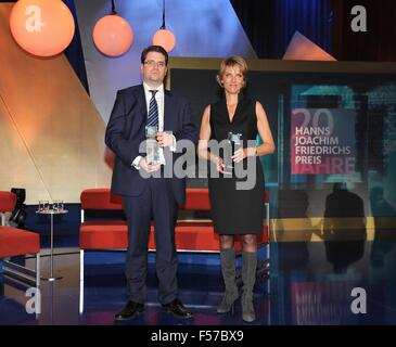 Cologne, Germany. 28th Oct, 2015. The award winners, British journalist Eliot Higgins and ZDF journalist Marietta - Stock Photo
