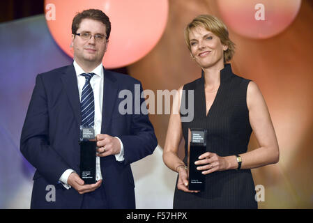 Cologne, Germany. 28th Oct, 2015. The award winners, British journalist Eliot Higgins and ZDF journalist Marietta - Stock Photo