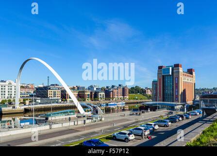 Gateshead Millennium Bridge and Baltic Centre for Contemporary Arts on the River Tyne, Quayside, Gatesehead, Tyne - Stock Photo