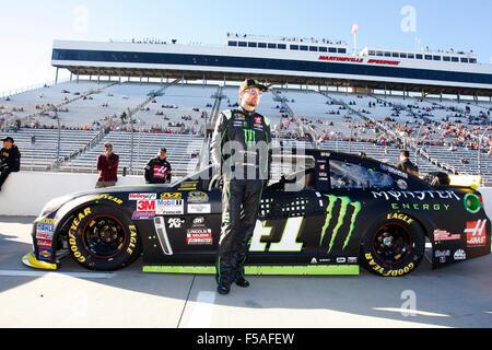 Martinsville, VA, USA. 30th Oct, 2015. Martinsville, VA - Oct 30, 2015: Kurt Busch (41) waits to qualify for the - Stockfoto
