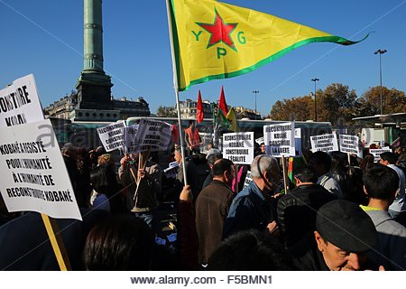 Paris, France. novembre 1st, 2015. FRANCE, Paris: People attend a pro kurdish demonstration in support of Kobane, - Stock Photo