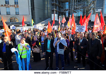 Paris, France. novembre 1st, 2015. FRANCE, Paris: People during a pro kurdish demonstration in support to Kobane, - Stock Photo