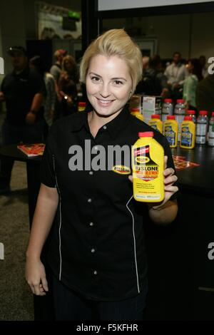 Las Vegas, NV, USA. 5th Nov, 2015. Caitlin Burt in attendance for The 2015 SEMA Show - THU, Las Vegas Convention - Stockfoto