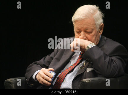Former Chancellor Helmut Schmidt puts snuff tobacco on his hand during an SPD event at Thalia Theater in Hamburg - Stock Photo