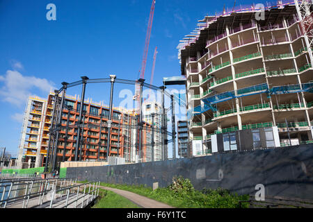 21st November 2015 - Ongoing construction of new Gasholders London residential towers at Kings Cross - Stock Photo