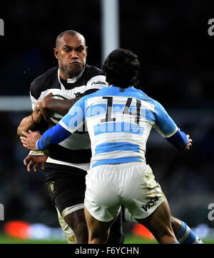 Twickenham, UK. 21st Nov, 2015. Nemani Nadolo of Barbarians tackled during the Killik Cup between Barbarians and - Stock Photo