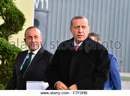 Le Bourget, France. novembre 30th, 2015. FRANCE, Le Bourget : Turkey's President Tayyip Recep Erdogan arrives at - Stock Photo