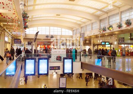 Shops in the Hall Central, the Gare de L'Est railway station, Paris, France - Stock Photo