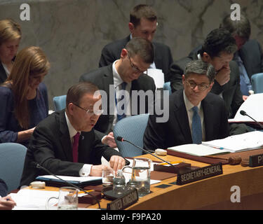 New York, United States. 17th Dec, 2015. Secretary-General Ban Ki-moon (left) offers remarks at the start of the - Stock Photo