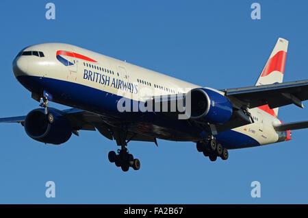 G-YMMU British Airways Boeing 777-236(ER) - cn 36519 / 796 coming in to land at London Heathrow Airport - Stock Photo