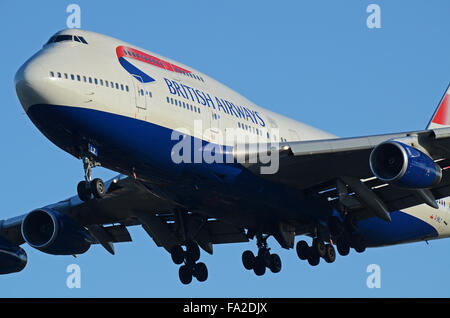 G-BNLZ British Airways Boeing 747-436 - cn 27091 / 964 landing at London Heathrow Airport - Stock Photo