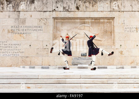 The Presidential Guards,called Evzones, at the tomb of the unknown soldier in front of the Hellenic (Greek) Parliament, - Stockfoto