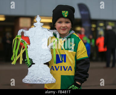 Carrow Road, Norwich, UK. 09th Jan, 2016. Emirates FA Cup 3rd Round. Norwich versus Manchester City. One young Norwich - Stock Photo