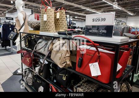 new york quality designer fashion Michael Kors Handbags Premium Outlet Orlando   Arisia 2020 ...