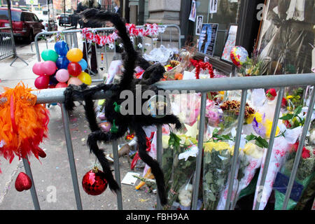 Manhattan, New York, USA. 16th Jan, 2016. memorial david bowie lafayette st soho manhattan new york flowers posters - Stock Photo