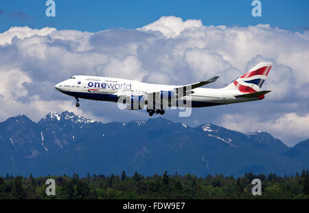 Boeing 747-400, British Airways, landing at Vancouver. - Stock Photo