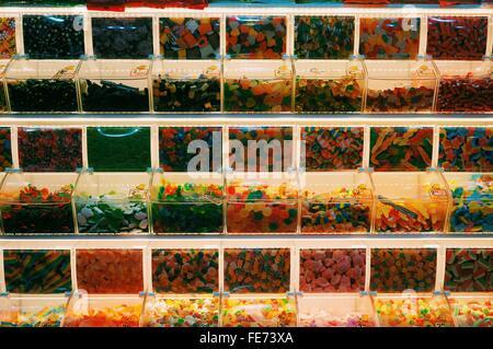 Detail-Aufnahme von bunten Süßigkeiten zum Verkauf - Stockfoto