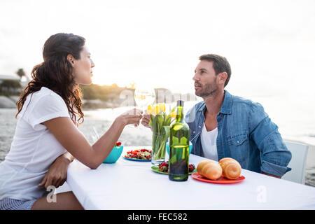http://n450v.alamy.com/450v/fec582/cute-couple-having-dinner-fec582.jpg