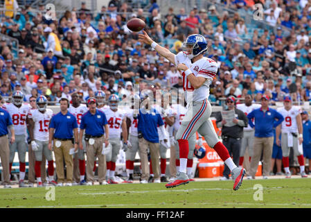 Jacksonville, FL, USA. 30th Nov, 2014. New York Giants quarterback Eli Manning (10) in the first half against the - Stock Photo
