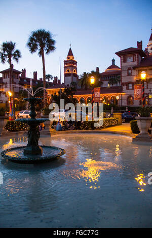 Displaying Spanish traditional white candles during the Christmas season, St. Augustine's 'Nights of Lights' is - Stock Photo