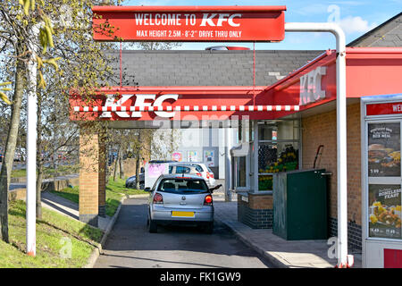 Kfc fast food chicken restaurant on earl 39 s court road in for Cafe le jardin bell lane london
